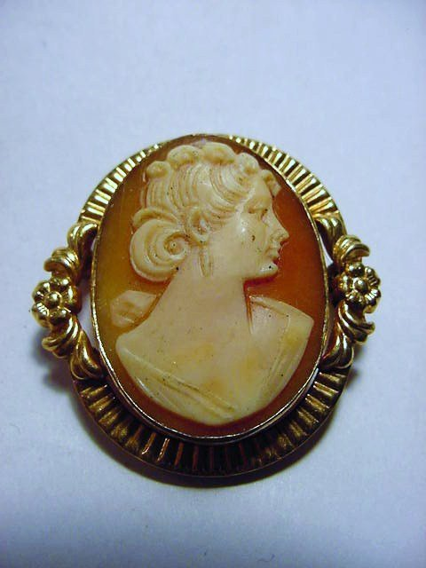 HAND CARVED SHELL CAMEO GOLD FILLED PIN
