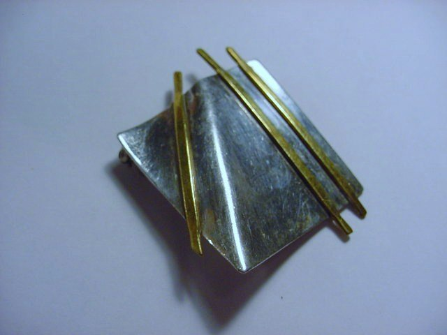 MODERNIST STERLING PIN SIGNED DR