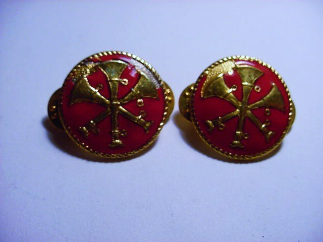 PAIR FIREMANS INSIGNIAS