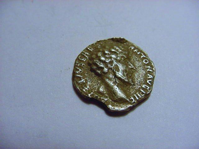 ANCIENT ROMAN SILVER DENARIUS COIN
