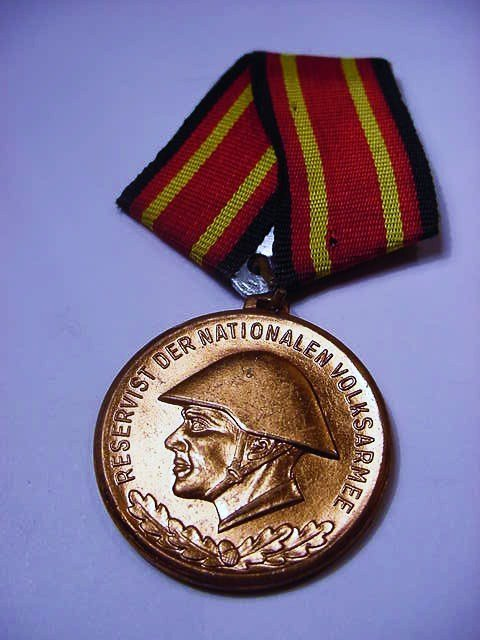 EAST GERMANY MILITARY MEDAL