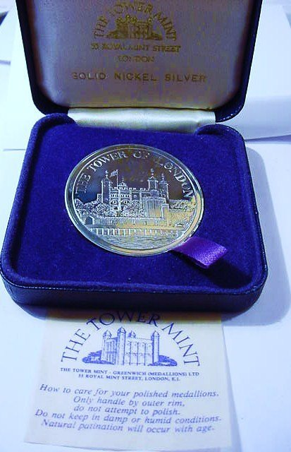 1982 TOWER OF LONDON PROOF MEDAL