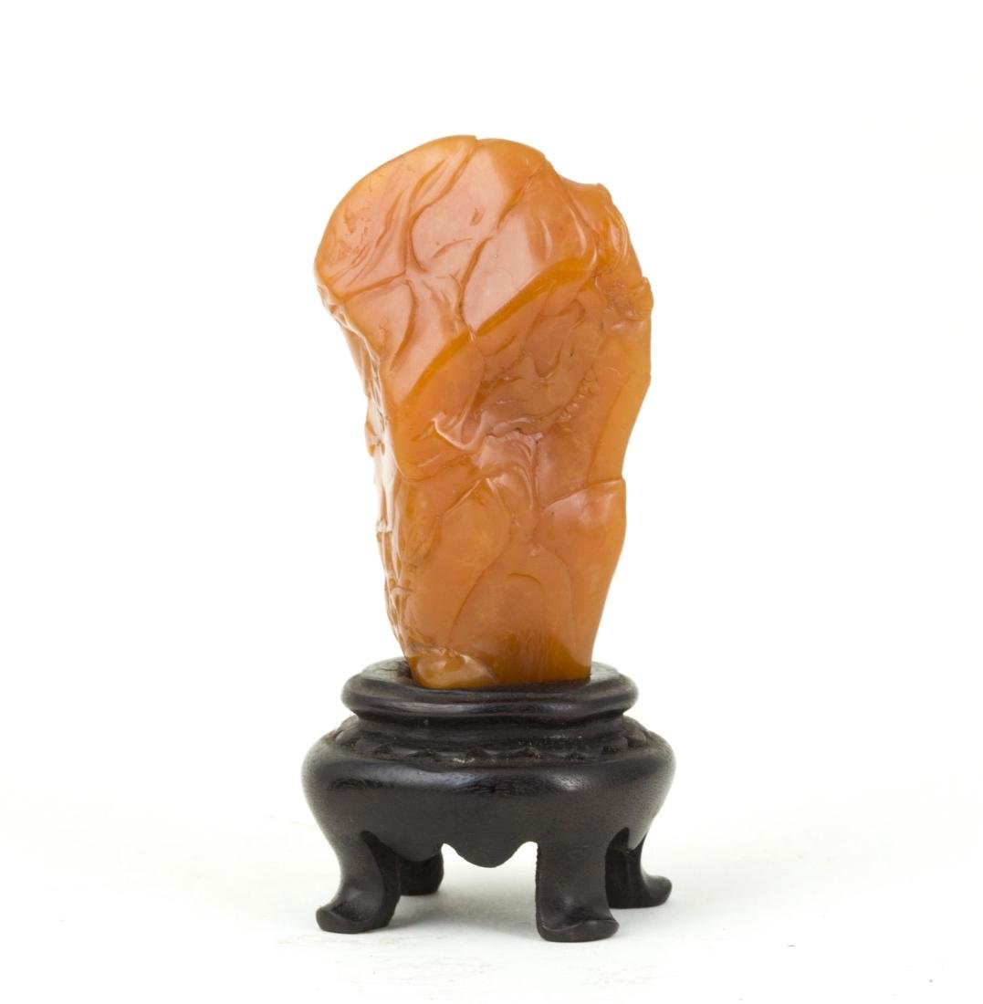 A SOAPSTONE ORNAMENT WITH WOODEN BASE - 3