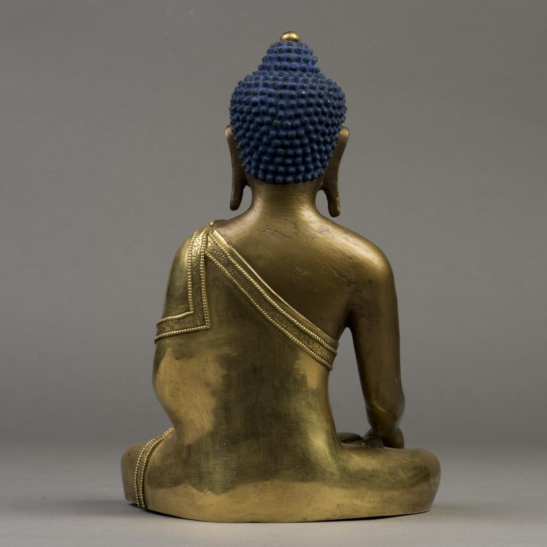 A GILT BRONZE SCULPTURE OF LONGEVITY BUDDHA - 3