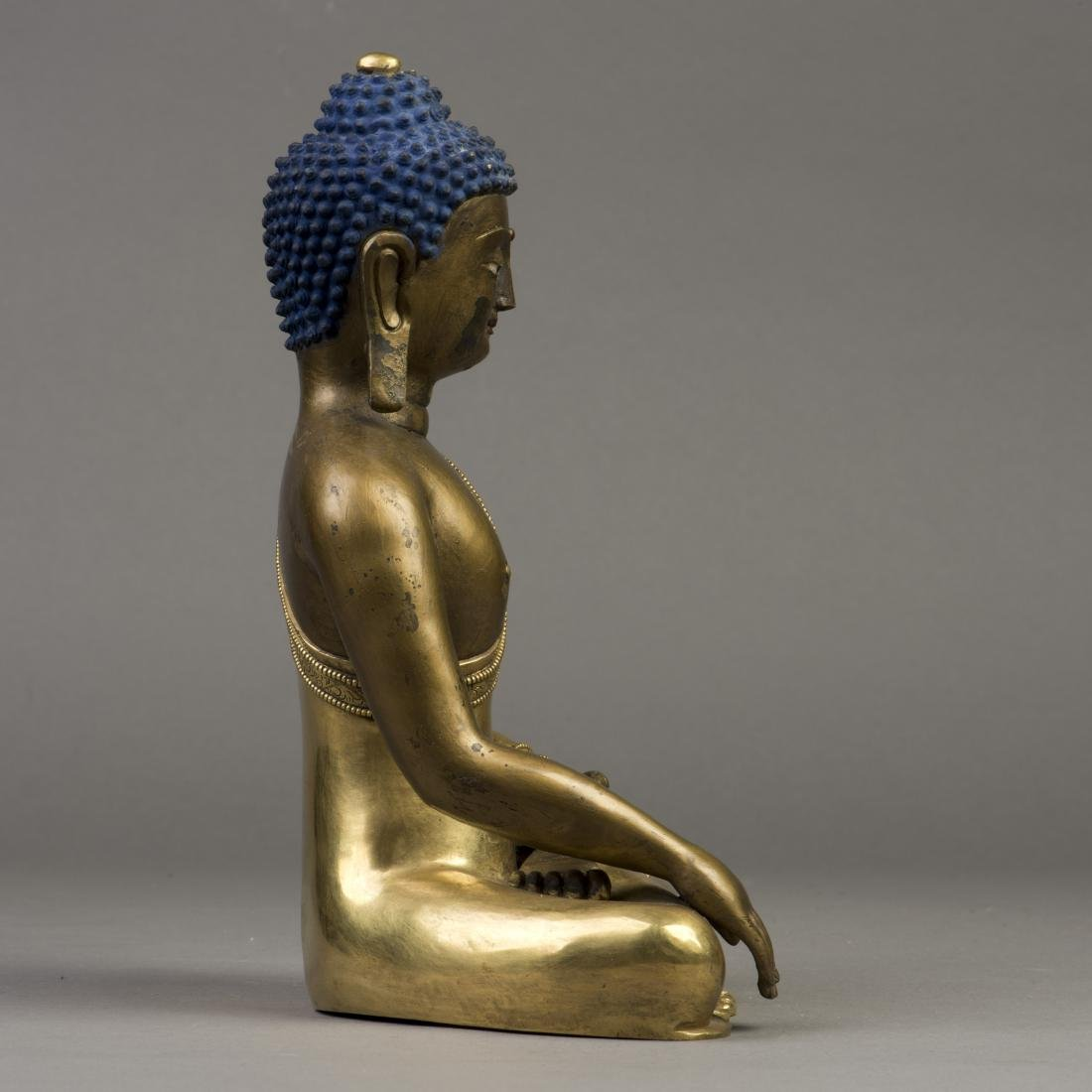 A GILT BRONZE SCULPTURE OF LONGEVITY BUDDHA - 4