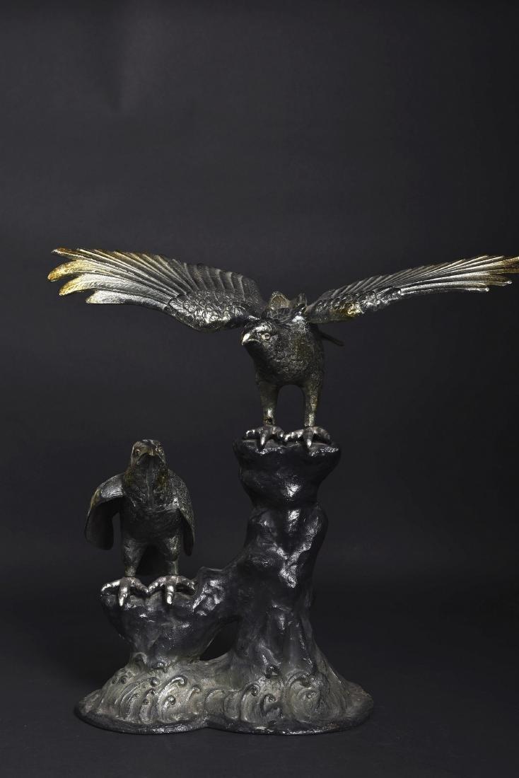 A BRONZE EAGLE SHAPED ORNAMENT, SHOWA PERIOD