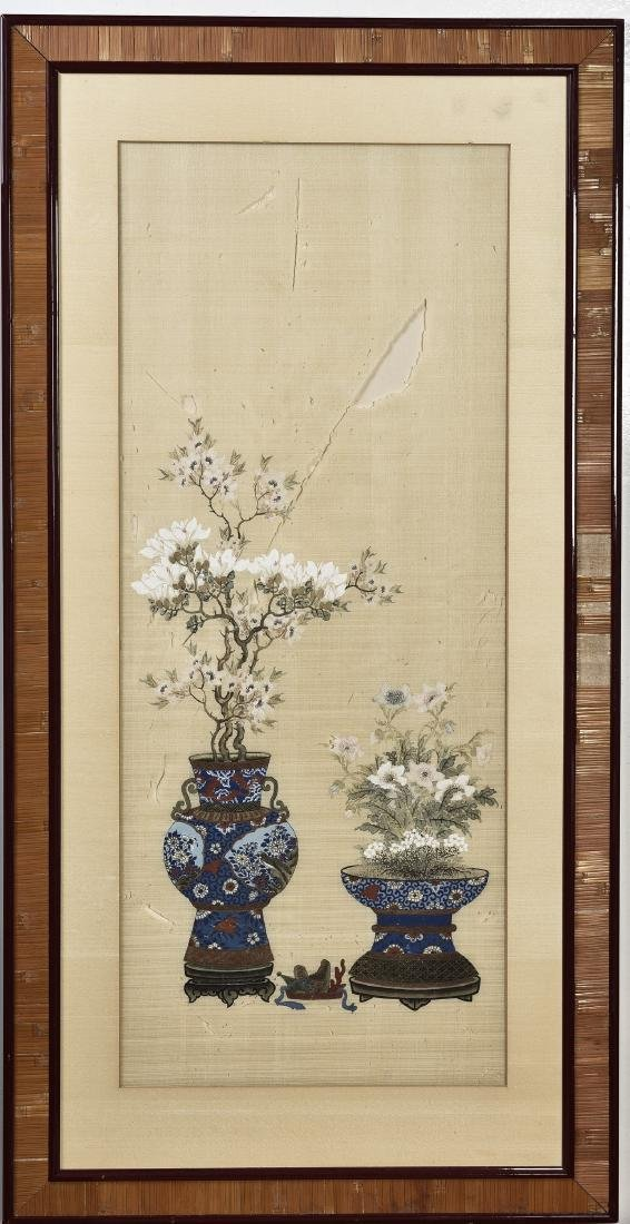 A PAIR OF SILK PAINTING