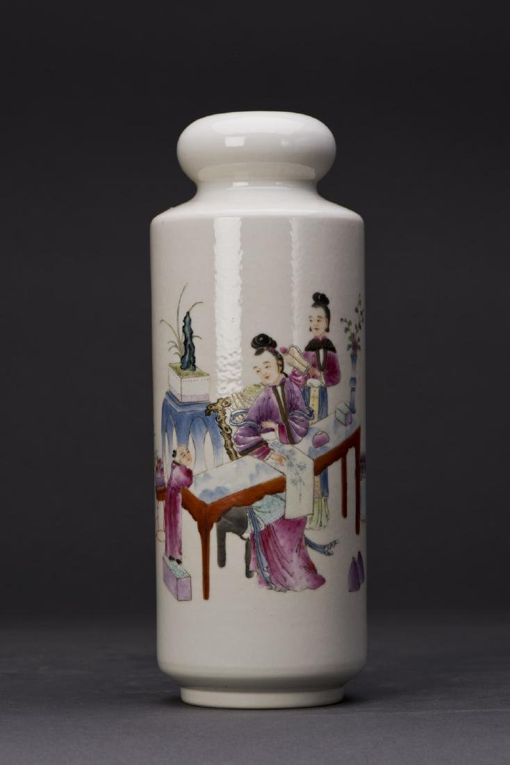 FAMILLE ROSE PORCELAIN BARREL FORM VASE