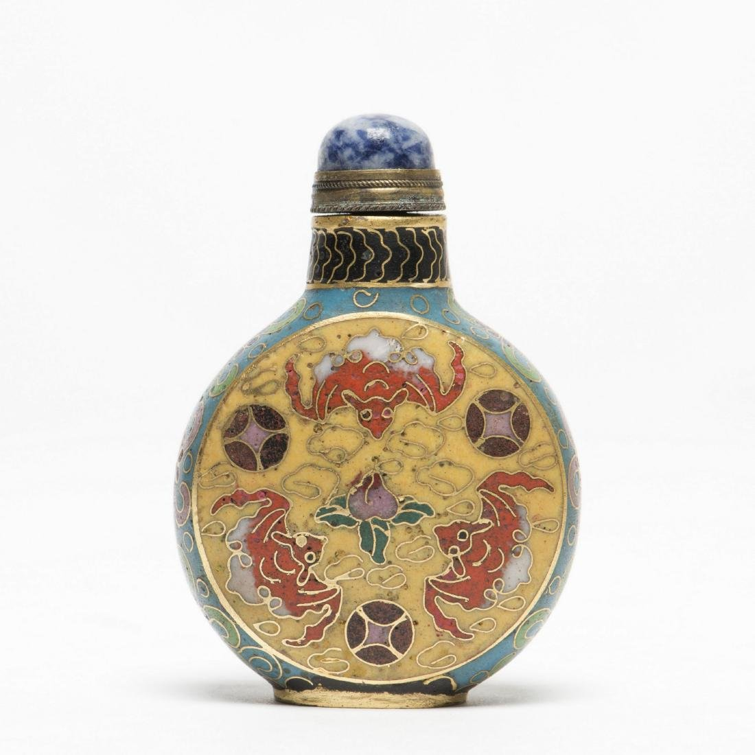 A CLOISONNE BAT SNUFF BOTTLE