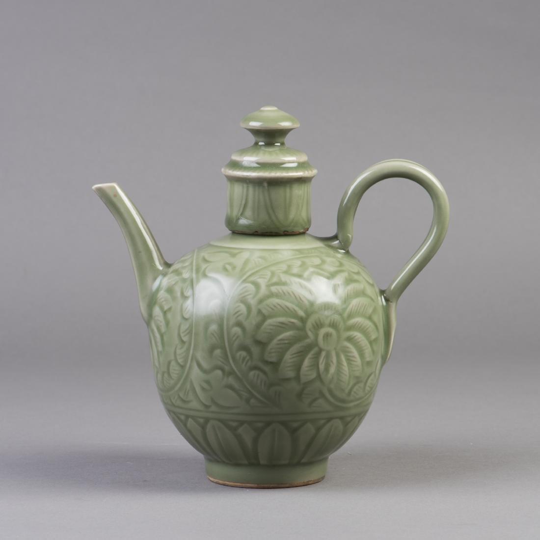 A CHINESE PORCELAIN CELADON TEA POT