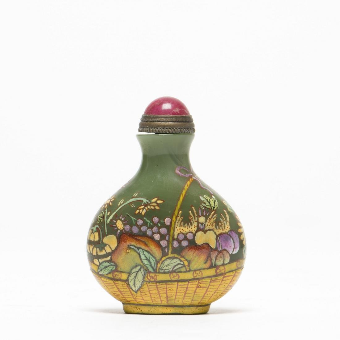 A FLORAL PATTERN SNUFF BOTTLE