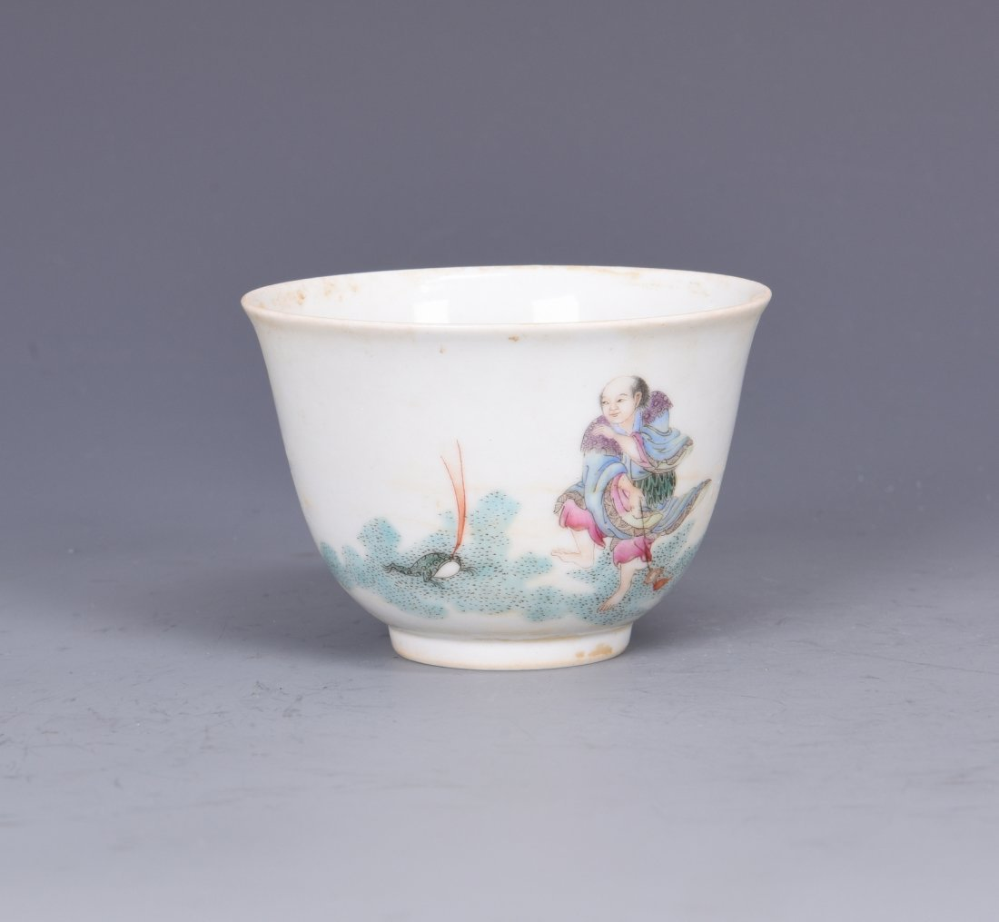 A FAMILLE ROSE PORCELAIN 'FIGURES'  CUP, QING DYNASTY - 6
