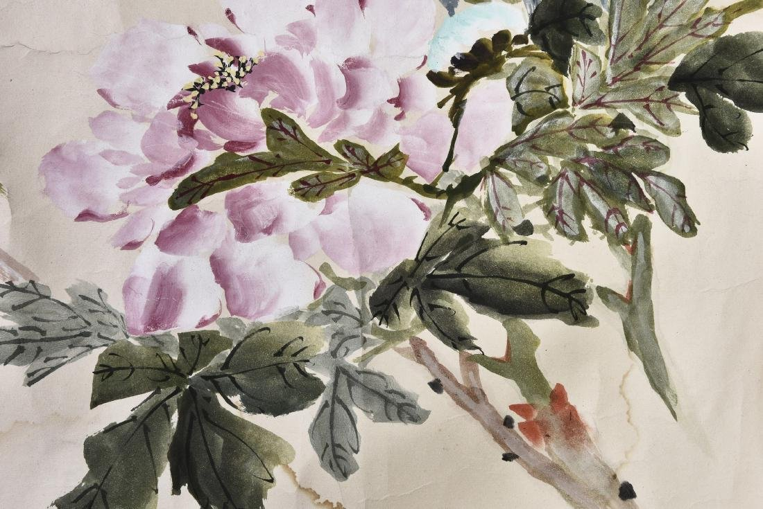 A CHINESE SCROLL PAINTING OF FLOWERS - 6