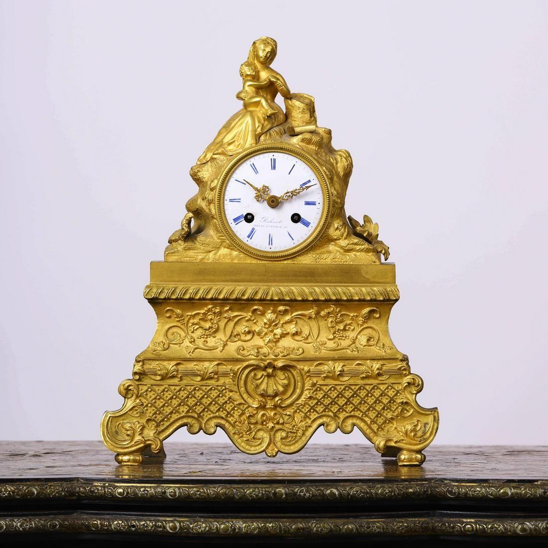 A Gilding Bronze Western Sitting Clock