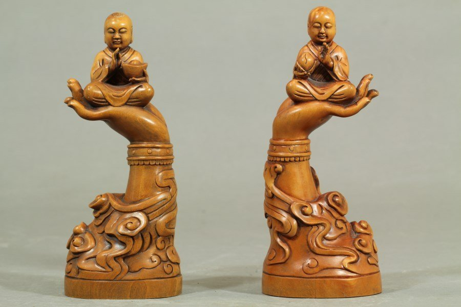 Carved Boxwood sculpture, Pair