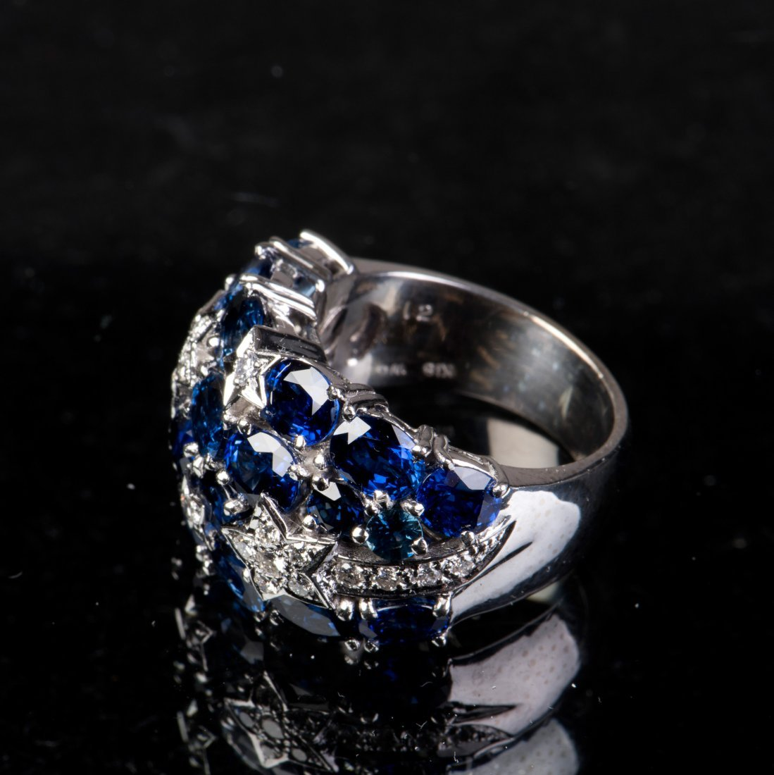 A SAPPHIRE AND DIAMOND RING, WITH CERTIFICATE