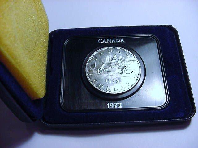 1972 CANADA DOLLAR IN PRESENTATION CASE