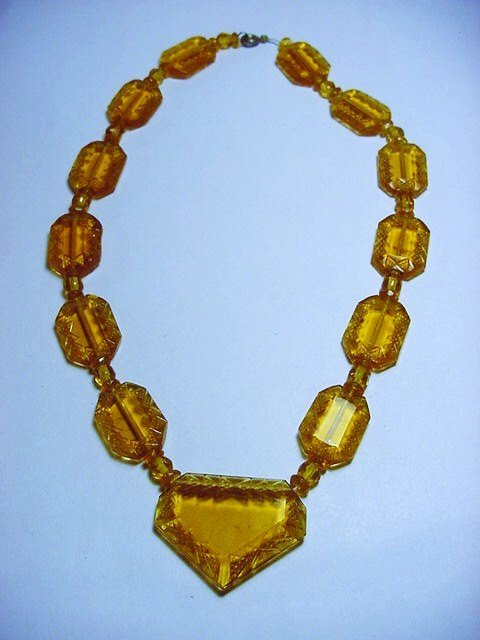 ART DECO AMBER GLASS NECKLACE