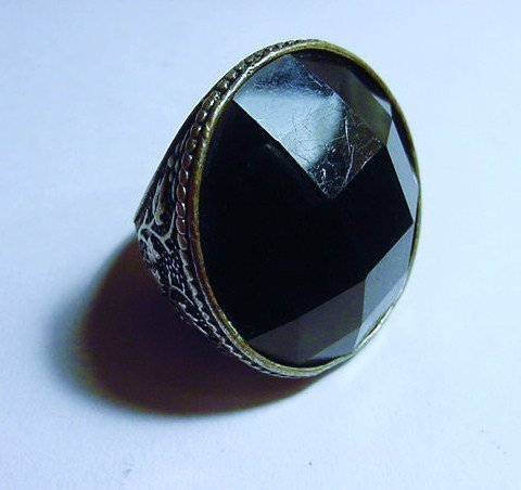 UNUSUAL VINTAGE RING SIZE  6