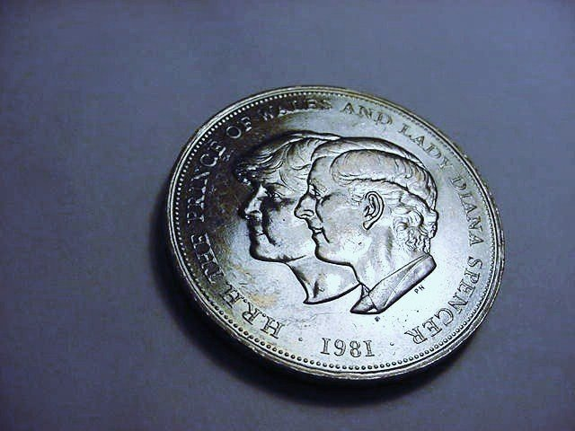 1981 PRINCE CHARLES AND LADY DIANA WEDDING COIN