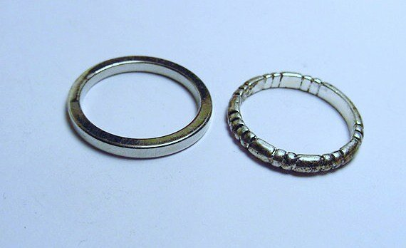 [2] VINTAGE RINGS SIZE  7.5  & SIZE  7.5