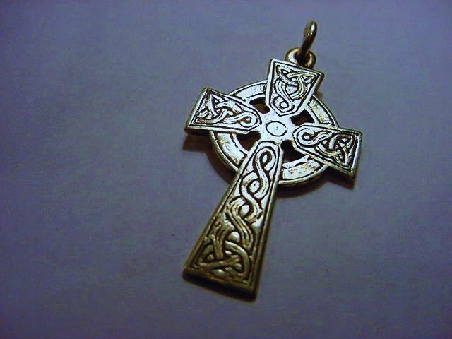 VINTAGE IRISH HALLMARKED STERLING CELTIC CROSS