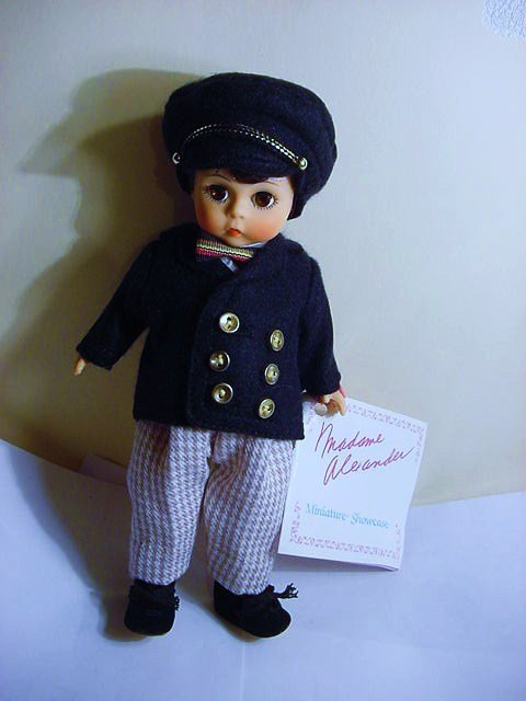 "VINTAGE  "" LAURIE ""  BY  MADAME  ALEXANDER  DOLL"