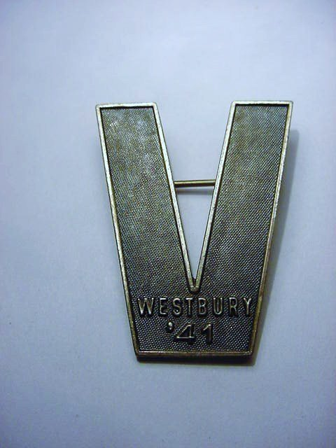 1941 STERLING VICTORY PIN