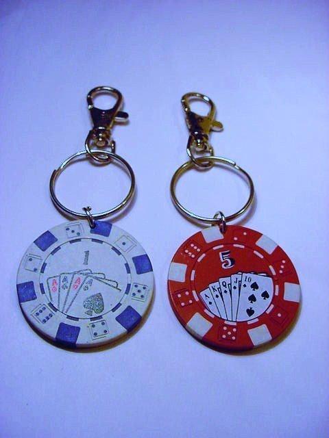 [2] GAMBLING CHIP KEYRINGS