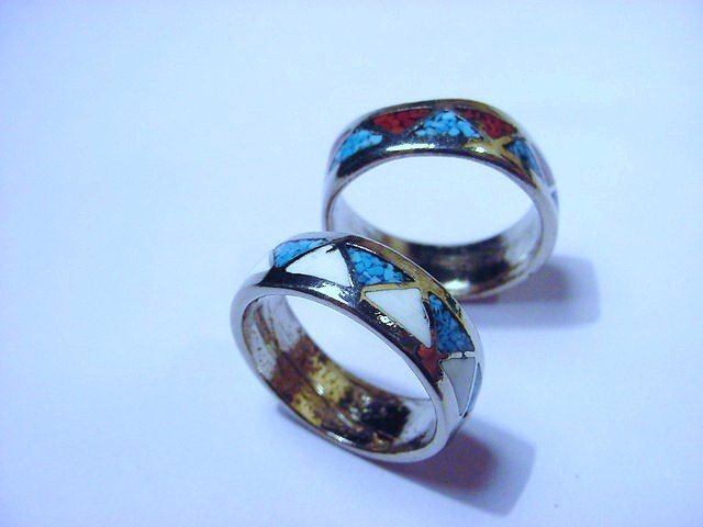 [2]  ]VINTAGE  RINGS SIZE  8   & SIZE   9