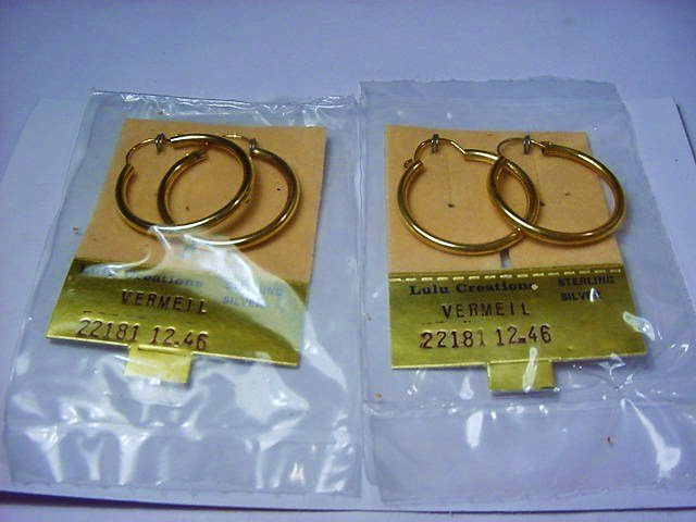 [2] PAIRS GOLD PLATED STERLING EARRINGS