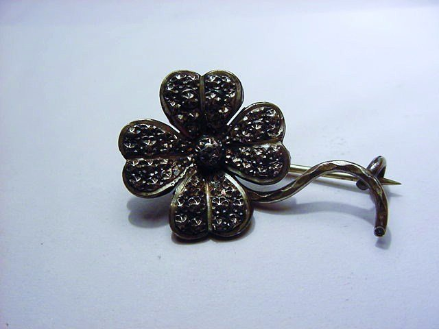 ANTIQUE SILVER FLORAL PIN