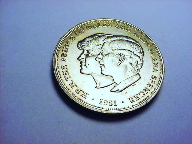1981 PRINCE CHARLES & LADY DIANA WEDDING CROWN UNC