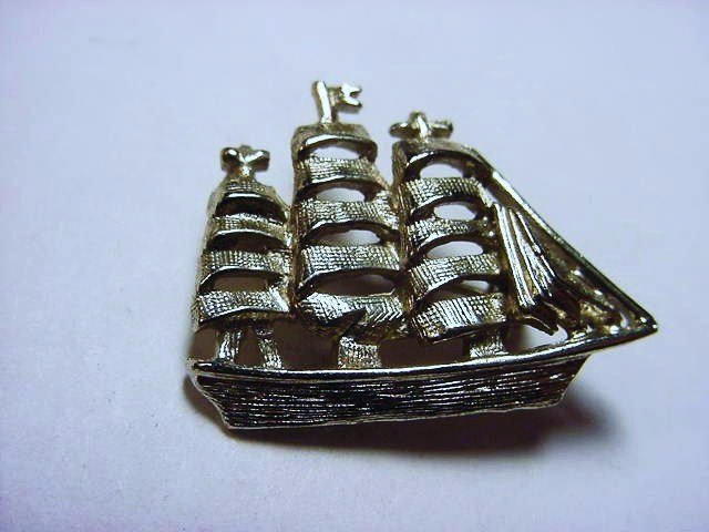 VINTAGE SHIP PIN