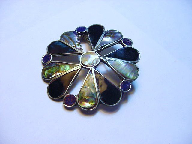VINTAGE ONYX ABALONE PIN