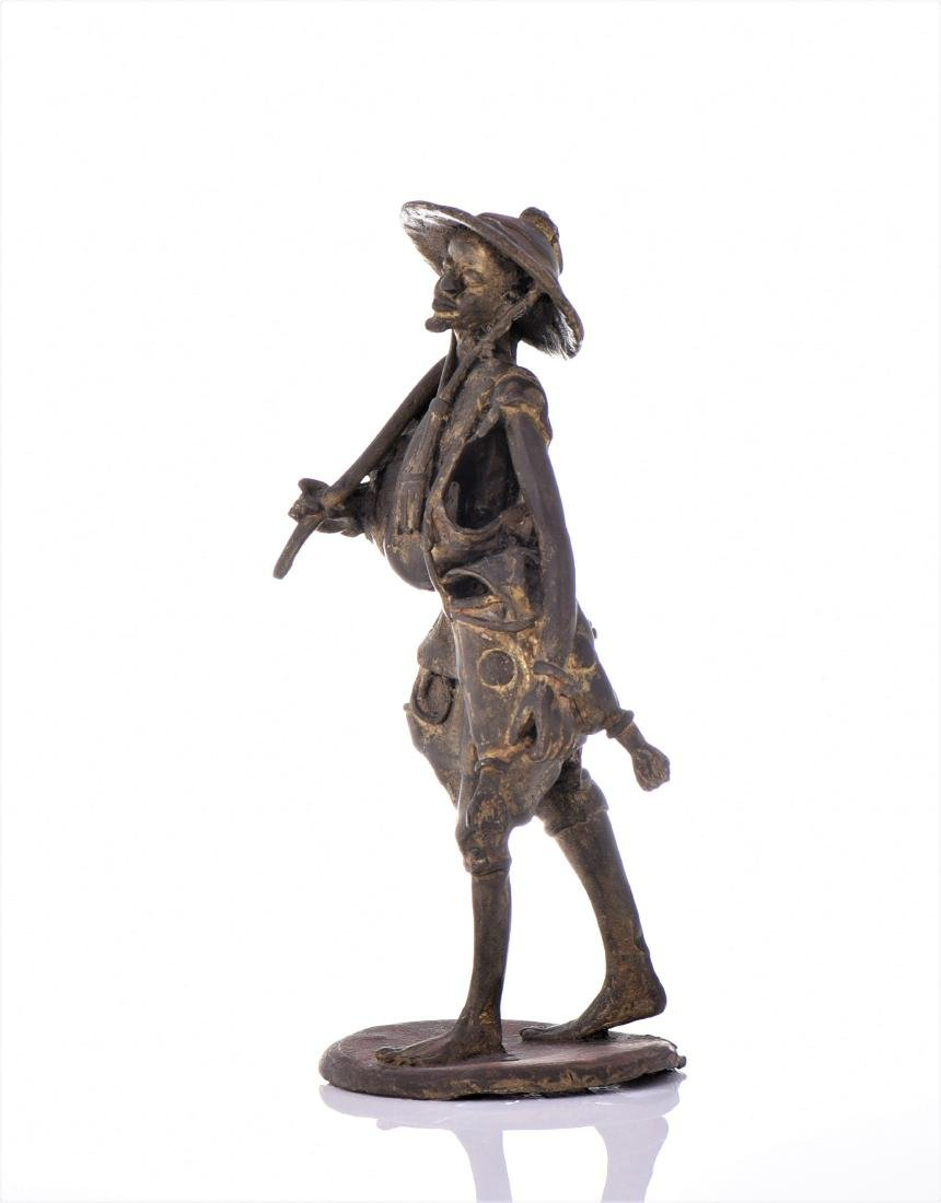Vintage Bronze African Farmer. - 4