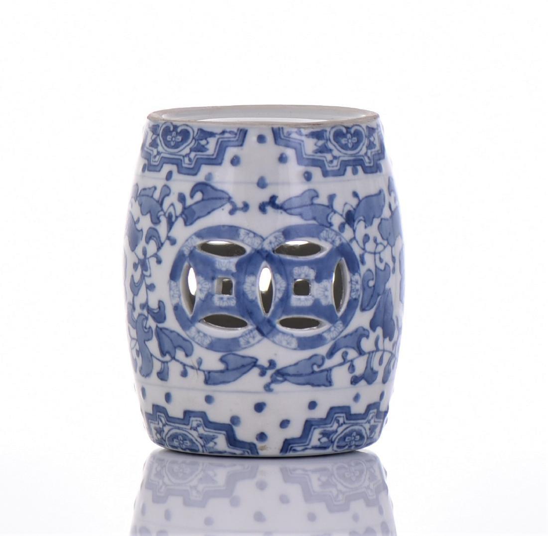 Blue And White Porcelain Miniature Garden Stool - 3