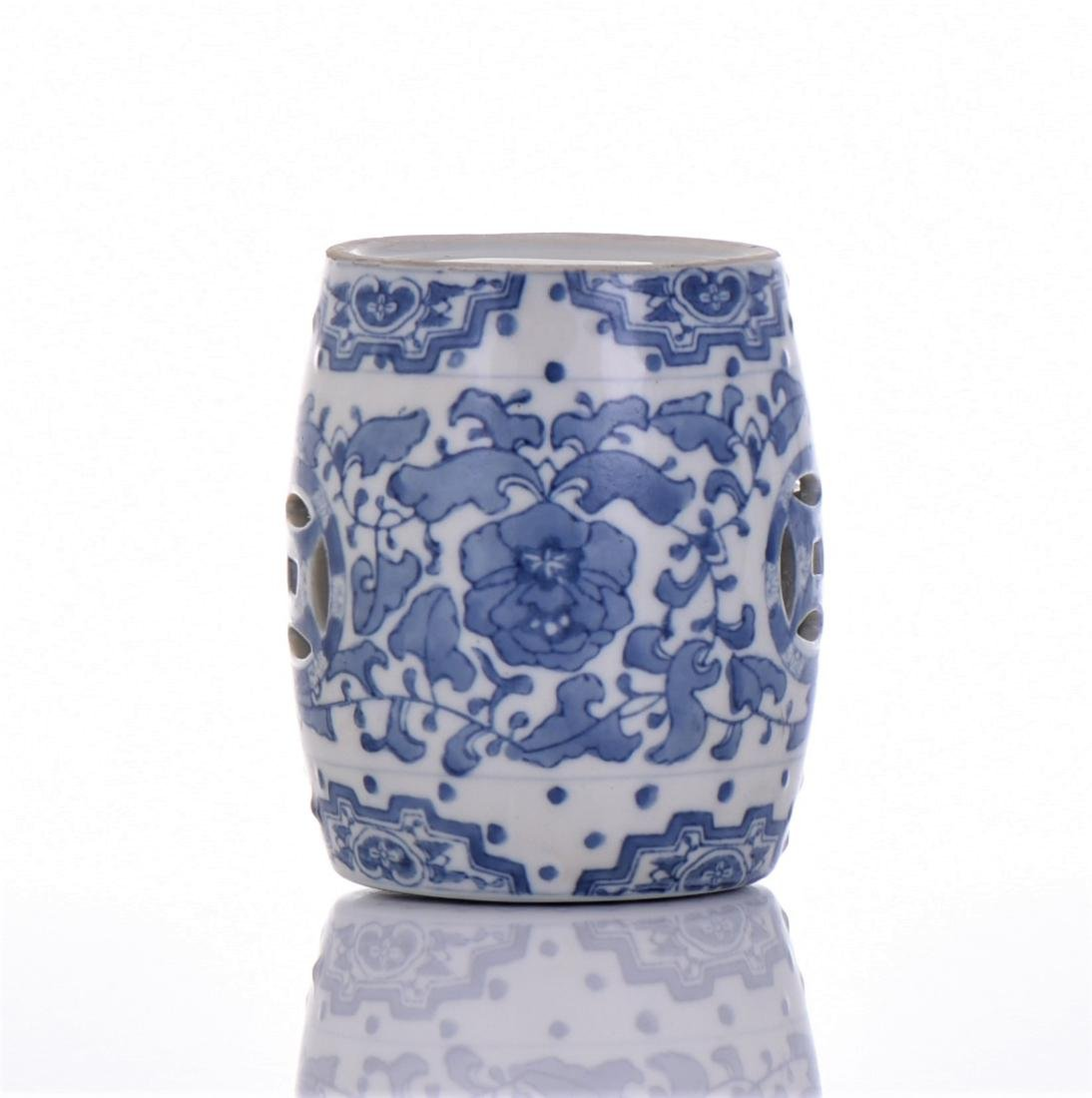 Blue And White Porcelain Miniature Garden Stool - 4