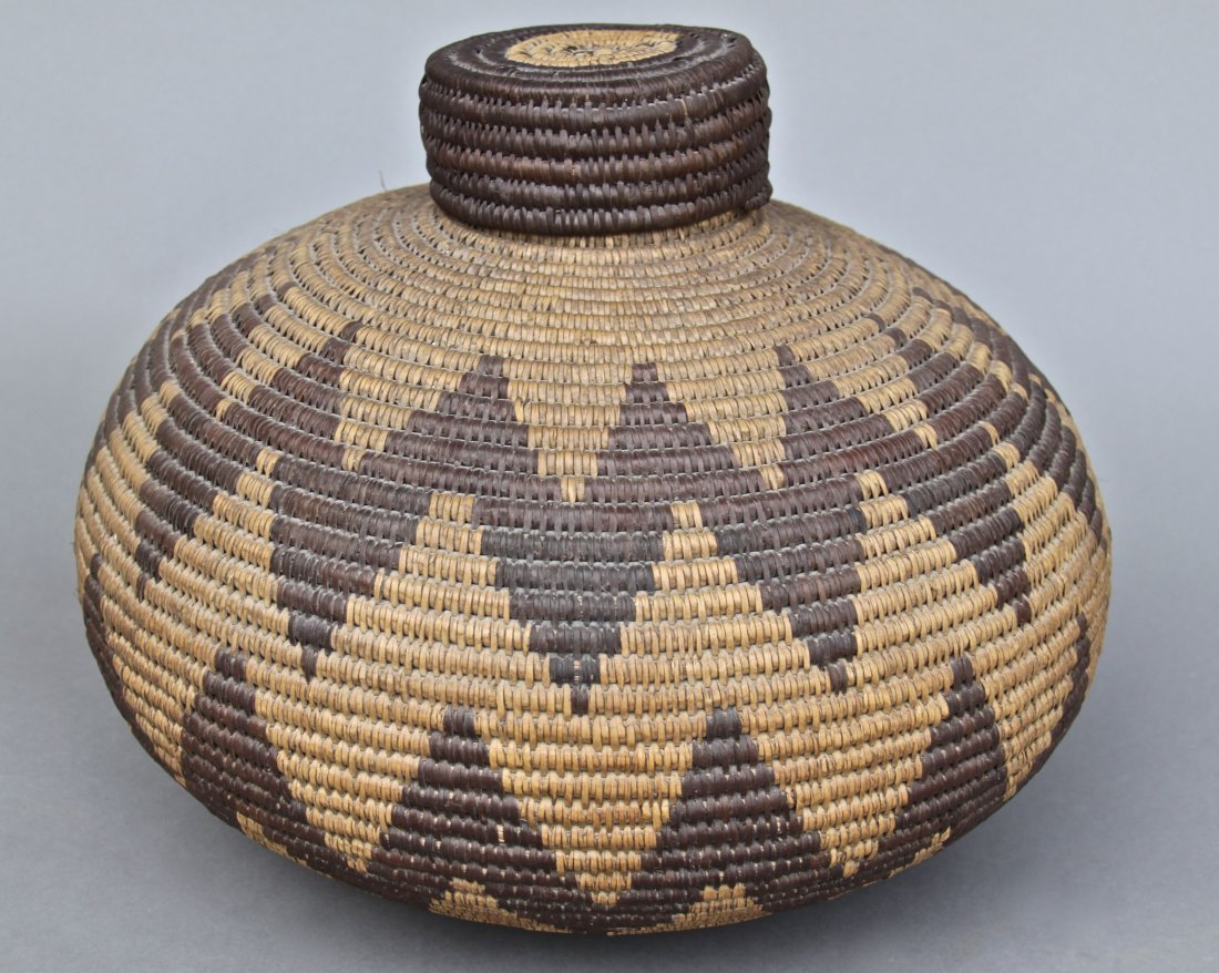 Native American Indian Old Woven Basket, woven lid.