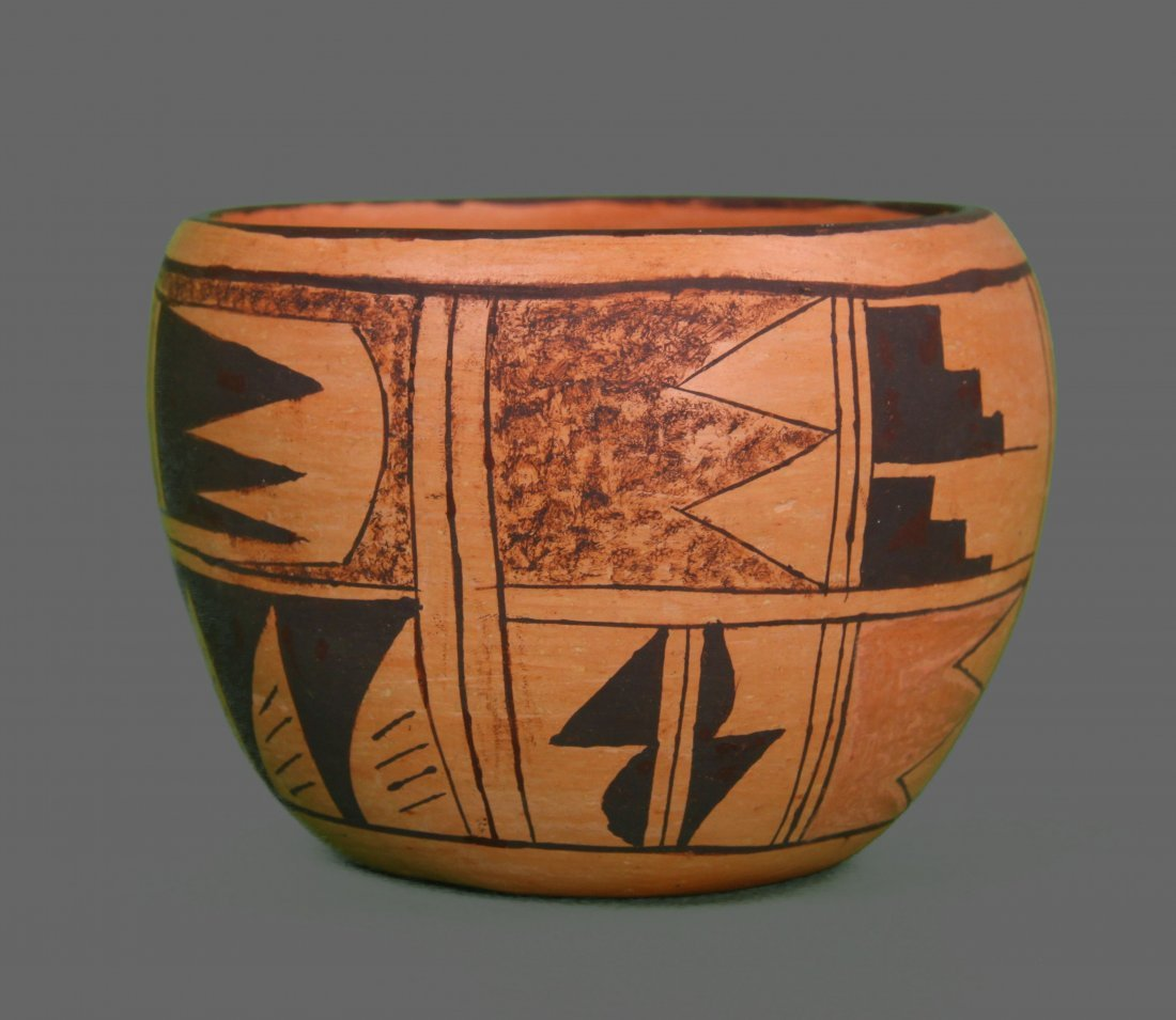 1900's South West Native American pottery vase