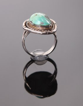 Native American Indian Turquoise Sterling Silver Ring.