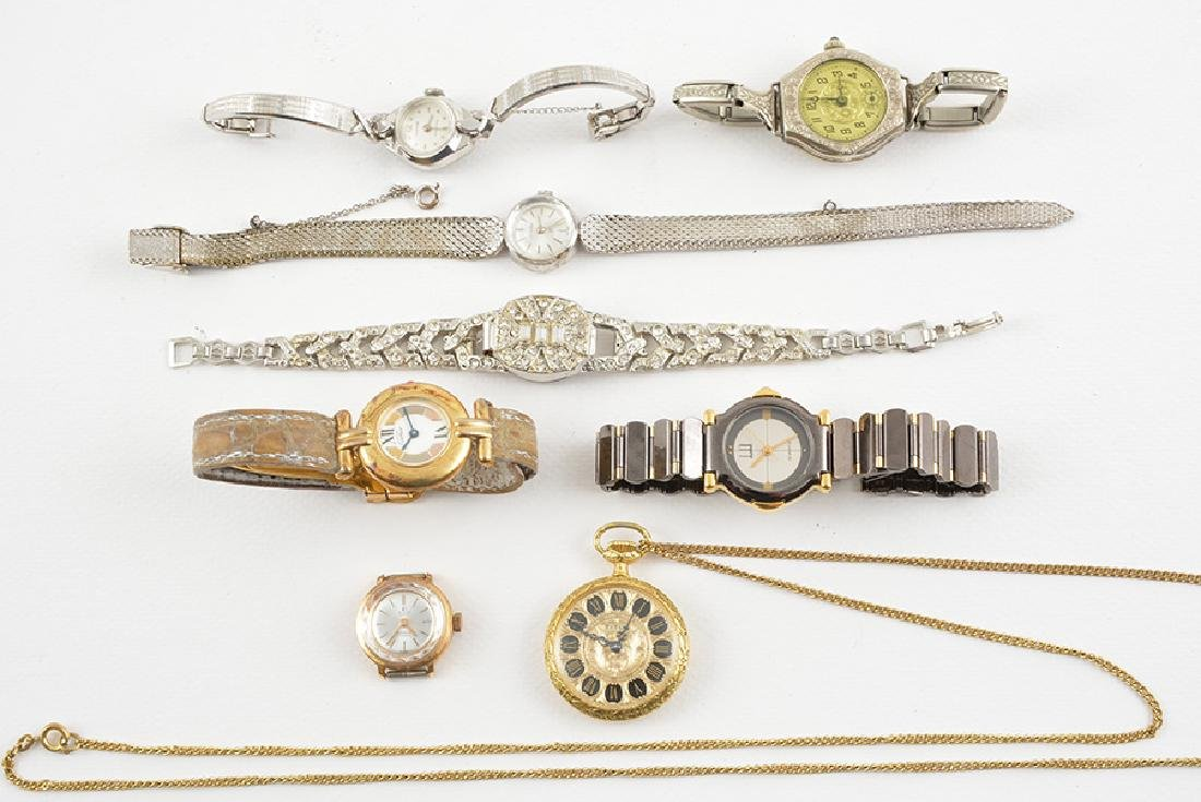 LOT OF WOMAN'S WRISTWATCHES