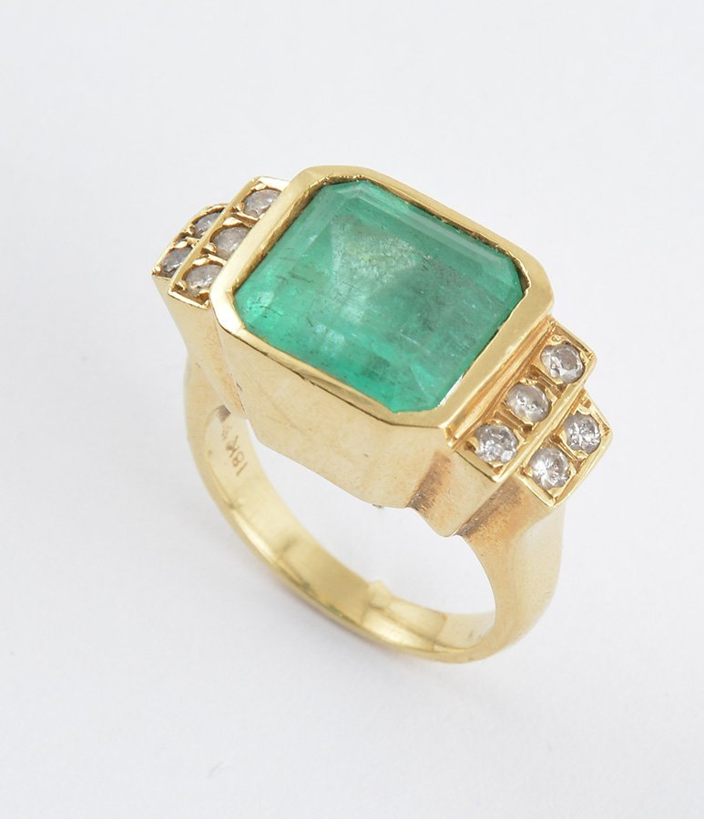 18K GOLD, EMERALD AND DIAMONDS