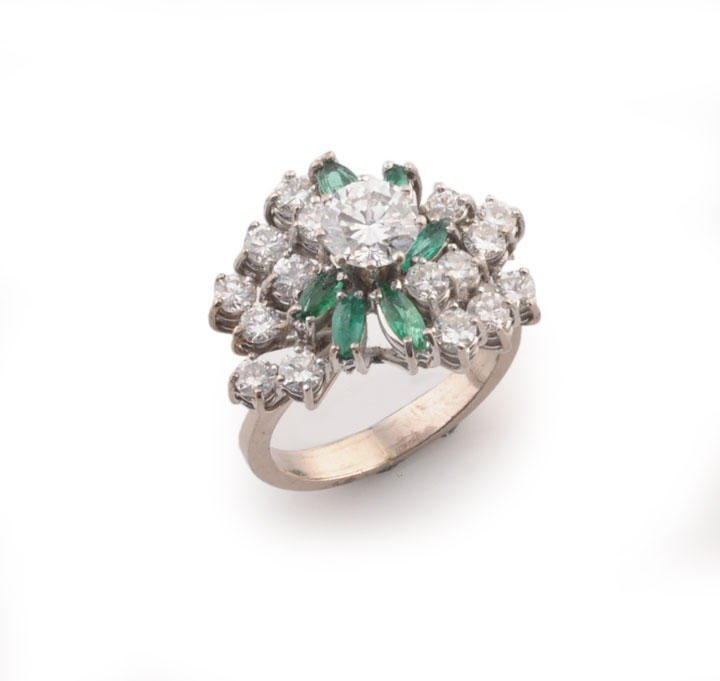 2000: Platinum ring, set with an approximately 0.65ct d