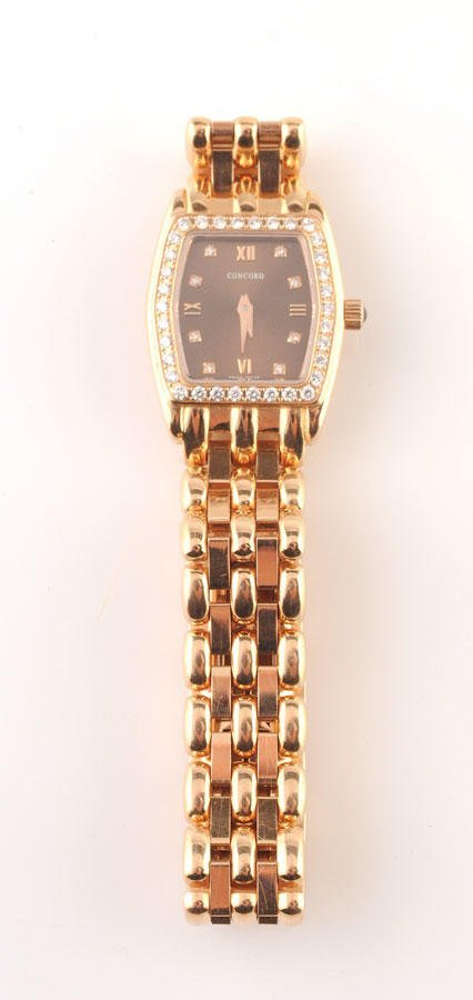 2013: 18K pink gold wristwatch, purple dial surrounded
