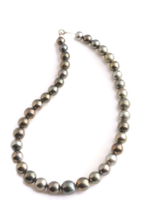 37 Tahitian pearl necklace, 10-14 mm. Longueur/Lenght:
