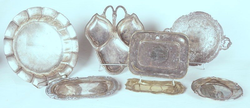 SERVICE DISHES IN SILVER PLATE