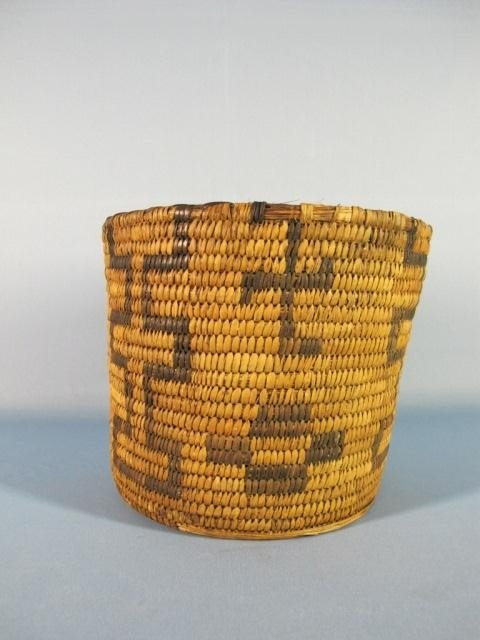 65: Navajo Basket With Whirling Log Design