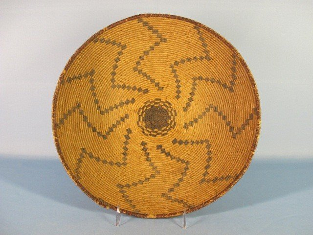 67: Southwest Coiled Basketry Tray, Apache, c. 1900