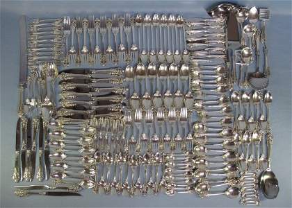 75: 207 PC Wallace Grand Baroque Sterling Flatware Set